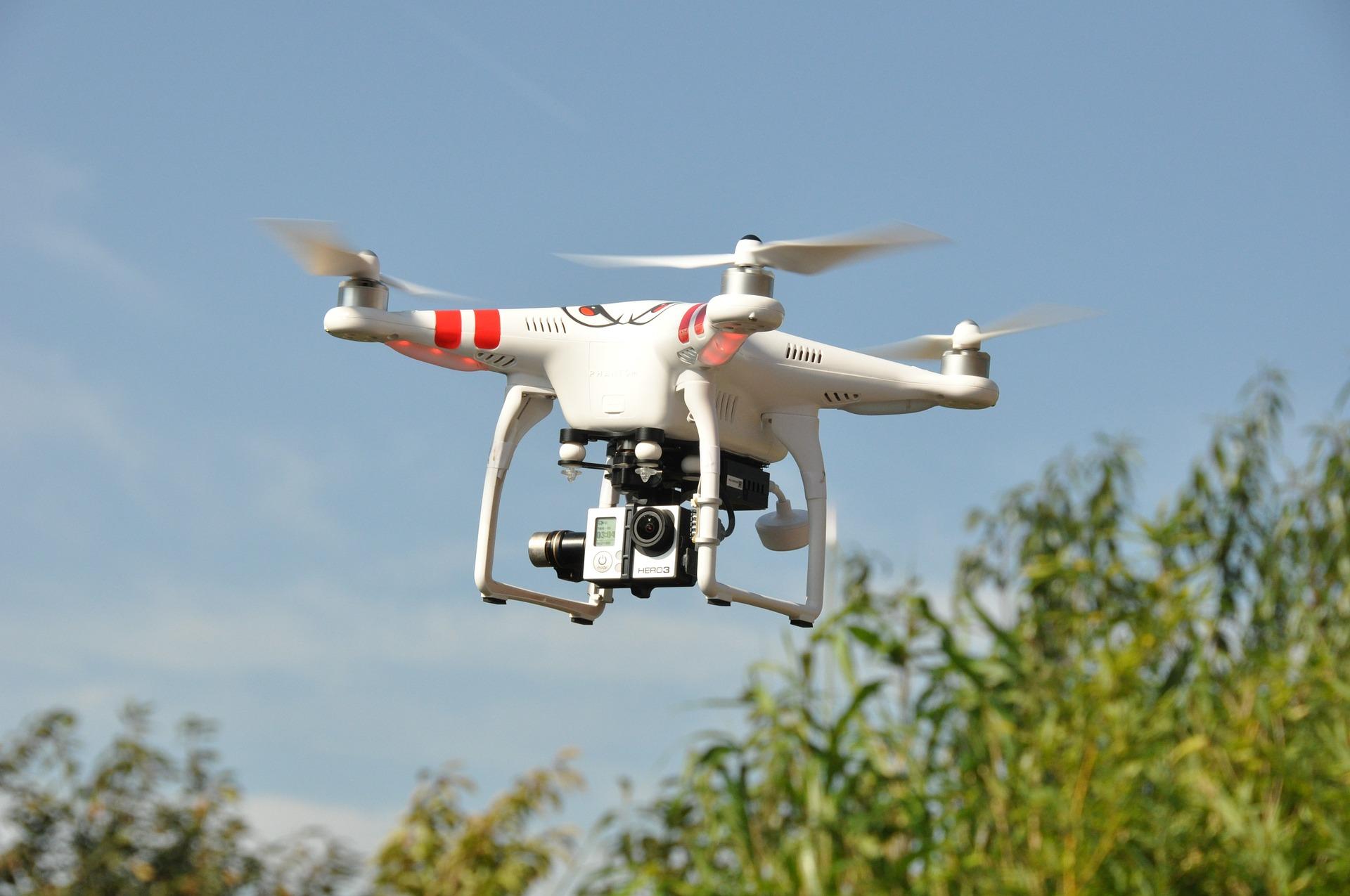 drone-1142182_1920